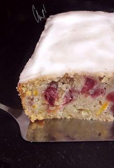 Cake aux deux agrumes et à la cerise et son glaçage à la fleur d'oranger