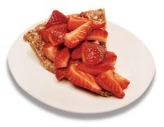Super healthy - almond date crust, & berries