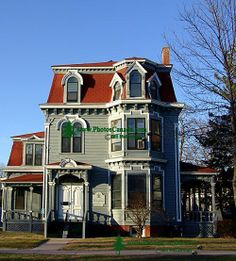 Fredericton home New Brunswick, Maine Home Architecture Styles, Victorian Architecture, Gaudi, Beautiful Space, Beautiful Homes, Gothic Windows, Second Empire, Craftsman Bungalows, Victorian Homes