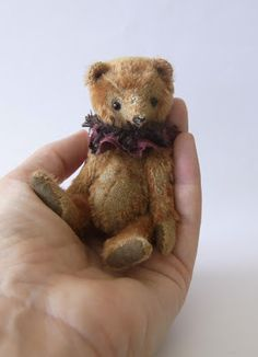 I´ve finally managed to make  a few new bears for my website.  Long overdued.    This little one is Leon        he´s only 4.5 inch.  I made him from a very fragile vintage  mohair - infact I didn´t had to  do anything to achieve the old worn look