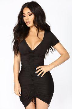 Lhasa ruched dress - black in 2019 fashion nova dresses плат Tight Dresses, Sexy Dresses, Fashion Dresses, Short Sleeve Dresses, Nova Dresses, Mini Dresses, Fashion Clothes, Casual Dresses, Ruched Dress