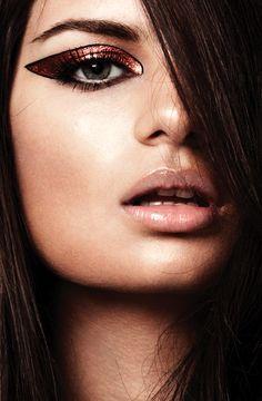 Make-up Inspiration Spring-Summer Love Makeup, Beauty Makeup, Makeup Looks, Hair Makeup, Hair Beauty, Makeup Ideas, Dark Brunette Hair, Make Up Inspiration, Metallic Eyeshadow