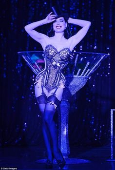 Burlesque dancer, Dita has been touring America performing Strip Strip Hooray! since February Burlesque Vintage, Dita Von Teese Burlesque, Burlesque Outfit, Burlesque Costumes, Dita Von Teese Lingerie, Halloween Costumes, Pin Up, Cabaret, Bodice