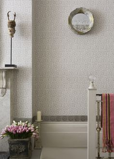 Queens Key wallpaper from Cole & Son