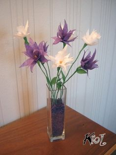 Fleurs en papier de soie, papier  de soie, méché et crépon