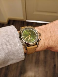 [Seiko] New strap arrived today for my Alpinist really liking the color combo via /r/Watches