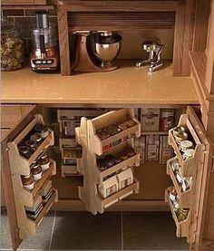 モダンなキッチンのためのスペース節約ストレージソリューション