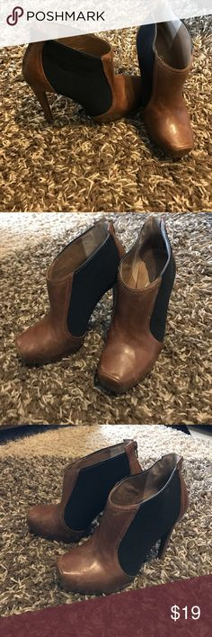"Jessica Simpson heels 4.5"" jessica Simpson boot heel, worn but good condition Jessica Simpson Shoes Heeled Boots"