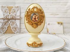 This large vintage easter eggs with icon is perfect for unique easter decorations, antique centerpiece table decor. Unique Handmade eggs is great for you shabby chic decor or religious gifts, the gift for mother, friends and colleague and also can be memorable gift for Easter. This egg is painted by me manually. Nicely done, in good condition. Brown shadowed accents to make the eggs look more aged. Ready to display for the Easter season. Use year after year for the Spring/Easter holiday season. Religious Images, Religious Gifts, Easter Decor, Easter Gift, Easter Season, Cute Gift Boxes, Vintage Easter, Vintage Decorations, Christmas Decorations