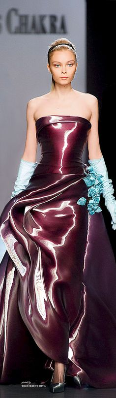 looks like the fabric would be a liquid! Georges Chakra Couture F/W Fashion Week, Runway Fashion, High Fashion, Fashion Show, Fashion Design, Cheap Fashion, Womens Fashion, Georges Chakra, Beautiful Gowns