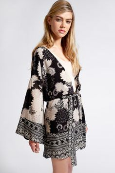 Boutique Jess Long Kimono Sleeve Jacket
