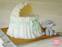 Bassinet Cake Tutorial | rosycakes