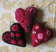 Primitive Folkart Hooked Rug Penny Hearts   by Rue23Paris