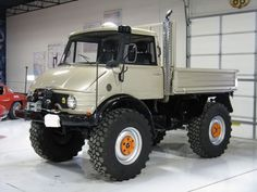 1974 UNIMOG. Great for hauling groceries and killing zombies.