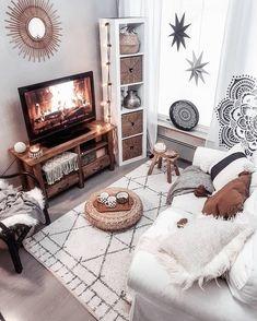 Boho decorations, bohemian living room, boho interior design, mid-century modern living room, old li Boho Living Room, Bohemian Living, Cozy Living Rooms, Living Room Decor, Bedroom Decor, Modern Bedroom, Bohemian House, Bedroom Ideas, Bean Bag In Living Room