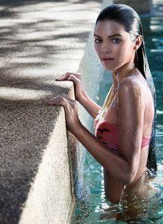 Kendall Jenner, la jeune soeur de Kim Kardashian, pour un shooting photo pour le magazine parisien Flavor