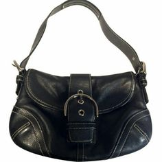 Coach Soho Flip Purse Lightly used purse #9247 with Silver hardware Coach Bags Satchels