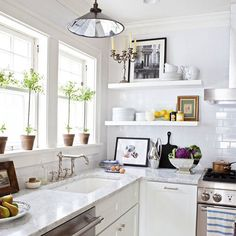 Always happy to make breakfast in here.  #myhousebeautiful Tap the photo for sources and check out the February issue of @housebeautiful for more photos! Styling by @olganaiman photo by @biadacosta