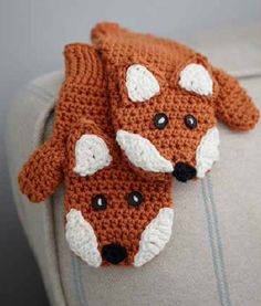 Crochet fox mitten pattern by Ruby & Custard - https://www.amazon.co.uk/Ruby-Custards-Crochet-Creative-projects/dp/1785030558