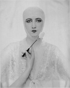 Baron Adolf de Meyer - Advertisement for Elizabeth Arden cosmetics, 1927