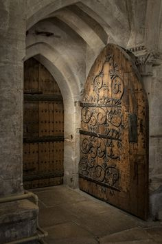 Handcrafted door in Wells Cathedral. Photo by Hamish McBeth. Handcrafted door in Wells Cathedral. Photo by Hamish McBeth. Cool Doors, Unique Doors, Door Knockers, Door Knobs, Beautiful Architecture, Architecture Details, Gothic Architecture, Ancient Architecture, Castle Doors