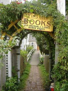 14 of the Coziest, Cutest Bookstores You've Ever Seen ... In other words, 14 Bookstores I Would Love to Visit! :-)