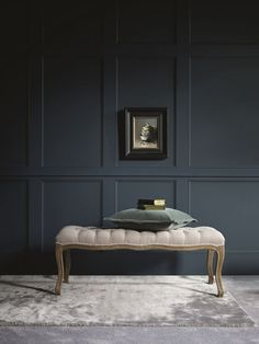 Spruce up your home's walls with the top 60 best wainscoting ideas. Explore unique millwork wall coverings and paneling interior designs. Rustic Wainscoting, Wainscoting Styles, Wainscoting Bathroom, Painted Wainscoting, Wainscoting Height, Black Wainscoting, Wainscoting Panels, Painted Wall Paneling, Painted Wood