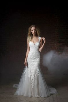 KleinfeldBridal.com: Henry Roth: Bridal Gown: 33164559: Fit and Flare: Natural Waist