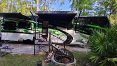 Is there anything better than palm fans and this goregous 42 MD? The Tishler's are living their #luxelife to the fullest! Give us a call to bring your luxury fifth wheel to life (844)284-6678 #frontlivngfifthwheel #luxury5thwheel Fifth Wheel Toy Haulers, Fifth Wheel Campers, Luxury Fifth Wheel, Luxe Life, Paint Schemes, Big Time, Motorhome, Palm, Wheels