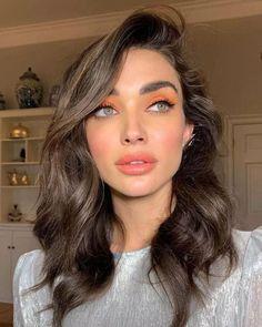 30 Summer Makeup Looks: Colorful & Glowy Makeup Ideas 2019 - Makeup Looks & Tutorials - Make Up Skin Makeup, Beauty Makeup, Hair Beauty, Brown Lipstick Makeup, Eyeliner Makeup, Flawless Makeup, Beauty Tips, Makeup Trends, Makeup Ideas