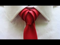 How to tie a necktie - 8 different ways to tie your tie. In this video you will learn how to tie: Half Windsor, Full Windsor, Prince Albert, Merovingian knot,. Cool Tie Knots, Cool Ties, Windsor Knot, Half Windsor, Different Tie Knots, Tie Knot Styles, Tie A Necktie, Necktie Knots, Mens Ties Crafts