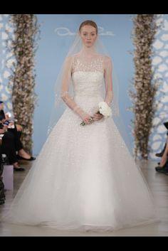 Romántica y muy delicada la nueva colección de vestidos de novia de Oscar de la Renta (SS 2014) #weddingdresses #NYBW