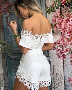 Abaya Fashion, Fashion Pants, Girl Fashion, Fashion Dresses, Fashion Design, White Outfits, Summer Outfits, Casual Outfits, Lace Lingerie Set