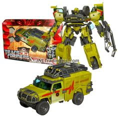 "Hasbro Transformers Revenge of the Fallen Series Voyager Class 8"" Tall Figure - DESERT TRACKER RATCHET with Hidden Axe & Cannon (Vehicle: Hummer H2)"