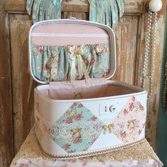 Shabby chic train case, vintage luggage, makeup case by lilhoneysshoppe on Etsy