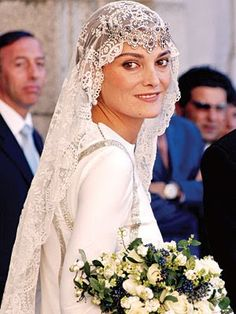sapphire tiara turned upside down for model Laura Ponte's wedding to a nephew of Spain's King Juan Carlos -  Beltran Gomez Acebo Borbon - his mother is the older sister of the king.
