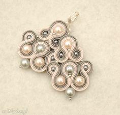 szaro-różowe kolczyki sutasz z perełkami. $23 Belly Button Rings, Drop Earrings, Jewelry, Fashion, Moda, Jewlery, Jewerly, Fashion Styles, Schmuck