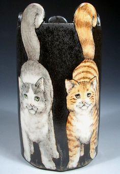 Cats vase Nan Hamilton
