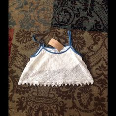 Crop top NWT crop top. Got at a boutique and never wore Steve Madden Tops Crop Tops