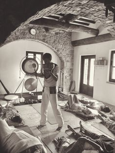 #PaoloBorghi and the Sound Therapy for #SpiritualSensoryExperience at #Eremito www.daianalorenza... #digitaldetox #yogaretreat