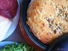 Juustoinen Pataleipä Savory Pastry, Savoury Baking, Bread, Recipes, Food, Brot, Essen, Baking, Eten