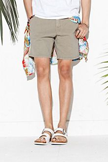 Today's Hot Pick :Basic Shorts with Belted Back http://fashionstylep.com/SFSELFAA0012929/tlrkeen/out Go for sheer perfection when it comes to summer styling with these basic shorts with unique belted back. These easy to wear mid rise shorts feature zippered front with top button closure, belt loops, and zippered front with shank button closure. Better when worn with a white slightly sheer tee plus black leather sandals.