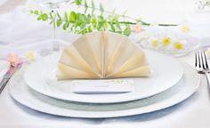 -Servietten Falten Fächer Hochzeit
