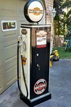 Old Gas Pumps, Vintage Gas Pumps, Hutch Display, Display Cabinets, Pompe A Essence, Scooter Bike, Durham Region, Red Indian, Garage Signs