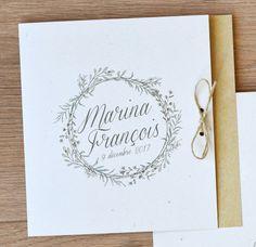 faire part mariage champetre et kraft avec fond kraft et couronne vegetal - fleurs feuilles papier recyclé cordelette de lin