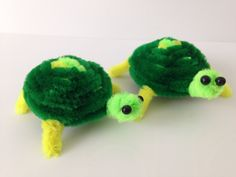 Diy cleaners 831758624901319538 - How to make a pipe cleaner turtle. It is a very simple tutorial. Please notice that I made a new eyes tutorial, made with pipe cleaners alone, suitable for t… Source by ivaniimaculada Diy Crafts For School, Diy Crafts How To Make, Easy Diy Crafts, Diy Craft Projects, Fun Crafts, Craft Ideas, Pipe Cleaner Projects, Pipe Cleaner Art, Pipe Cleaner Animals