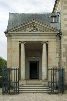 Entrée du Théâtre de la Reine de Richard Mique, dans le jardin du Petit Trianon.