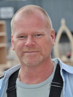 Mike holmes giving women everywhere a new appreciation for on location with mike holmes solutioingenieria Gallery