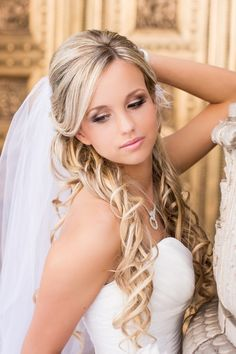 Photo: Bride's side part, half updo long curls with under veil … Side Hair Updos For Weddings PRO BRI… Wedding Hair Down, Wedding Hair And Makeup, Wedding Updo, Bridal Makeup, Hair Makeup, Eye Makeup, Soft Makeup, Makeup Geek, Natural Makeup