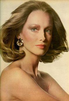 US Vogue January 1974, Beauty Now/Beauty In Season, Photo Irving Penn